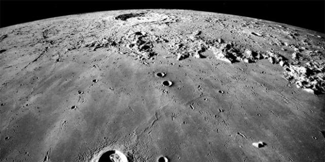 La luna es Artificial (Pruebas) [Nos Mienten]